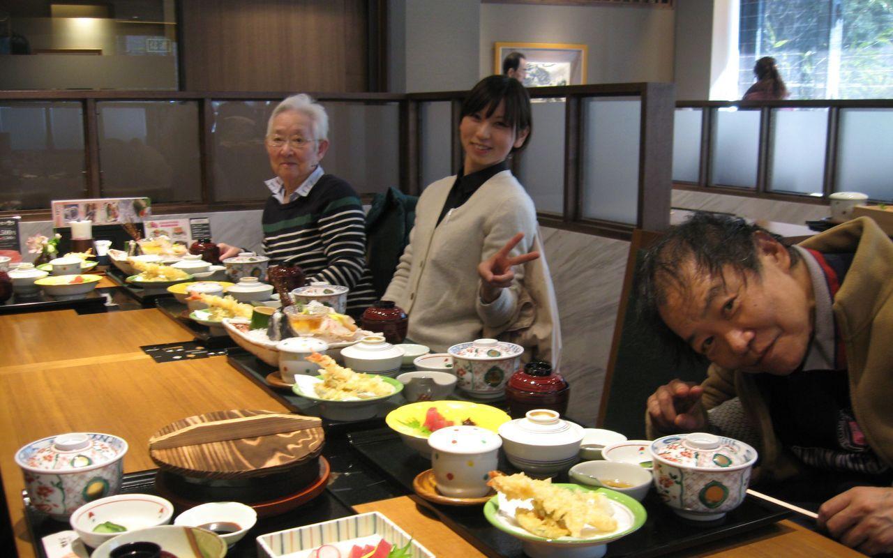 老人ホーム入居者の方々と外食させて頂きました